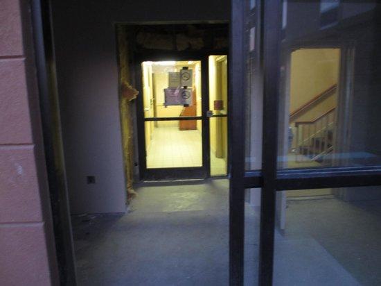 Hampton Inn Columbus South : Open doorway leading to second-floor stairs