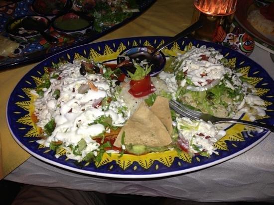 Maria Jimenez Restaurante Mexicano: Chicken Enchiladas Divorciado
