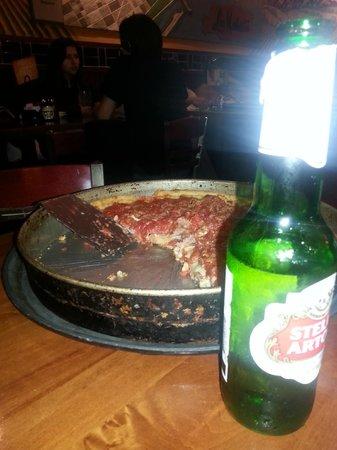 Lou Malnati's Pizzeria: deep dish pizza