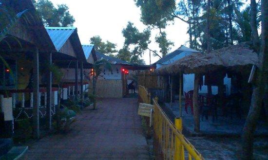 Tajpur Nature Camp : Non AC room with balcony