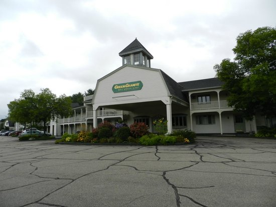 Green Granite Inn & Conference Center: main entrance