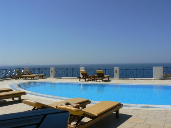 Kolitsani View : Swimming pool with a stunning view