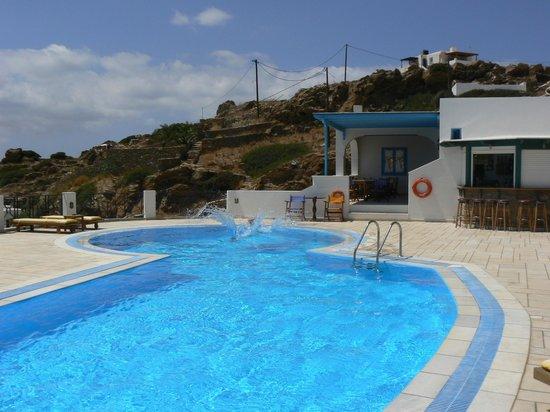 Kolitsani View: Swimming Pool and Breakfast area