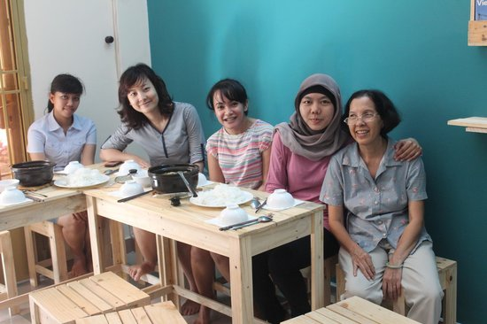 Long Hostel: Lunch invitation from Mrs. Long