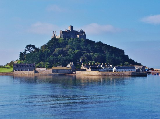 St Michael's Bed & Breakfast: A view of St. Michael's Mount from the street.
