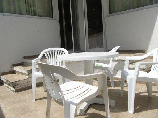 Hotel Kompas: балкон в номере