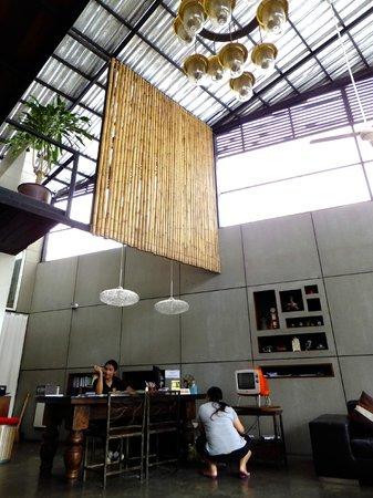 The Album Loft at Nanai Road: Reception area