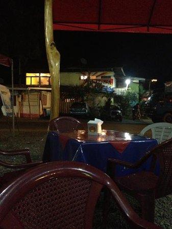 Mopri: Dining area