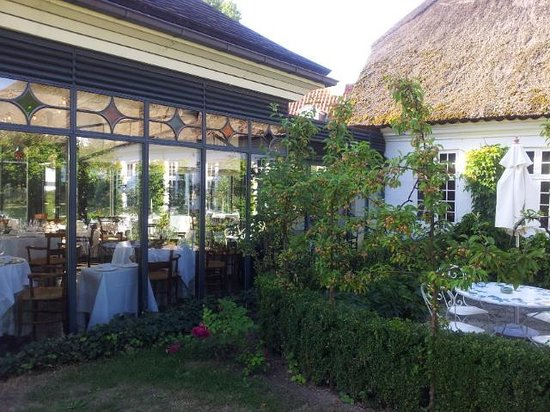 Falsled Kro: Magnificent gardens and a short stroll to the ocean