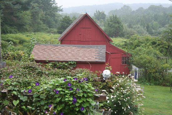 Roseledge Country Inn and Farm Shop: View of the antique barn originally an ice house from the Weaving room