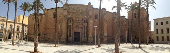 Cathedral of Almeria: esterno panoramico