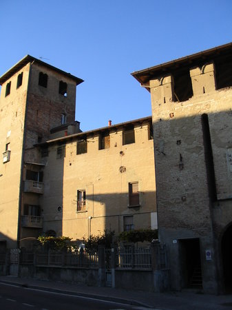 Il Castello Da Corte di Bellusco (XV sec.)