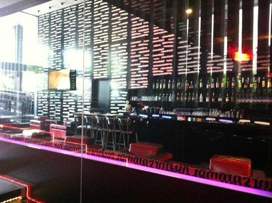Galleria 10 Sukhumvit: Restaurant