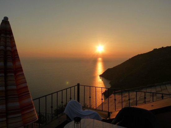 Il Borgo di Campi: Sunset on the balcony