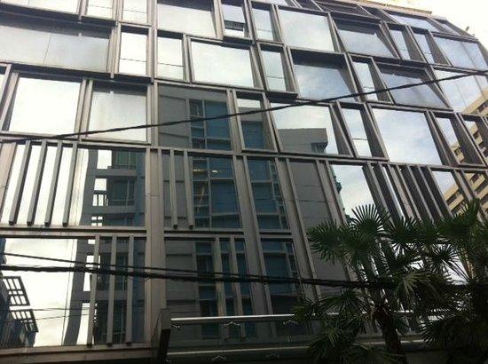 Galleria 10 Sukhumvit: Outlook