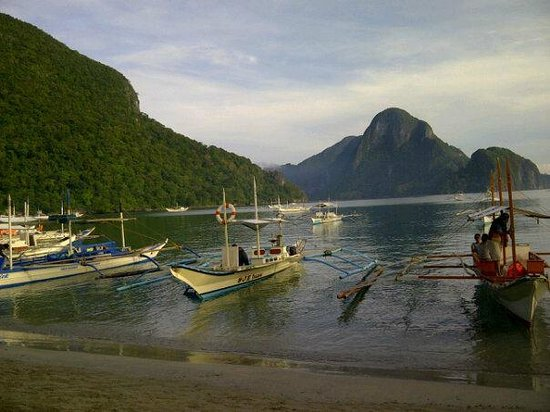 El Nido Waterfront Hotel: view in front of the hotel