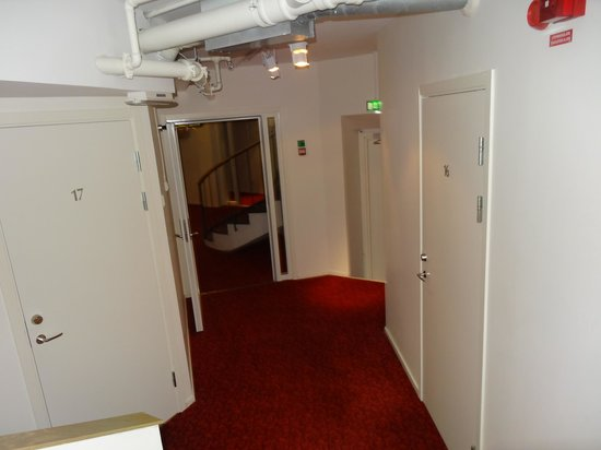 Stockholm Hostel: corridors