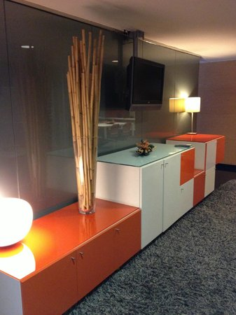 Hesperia Fira Suites: Lobby