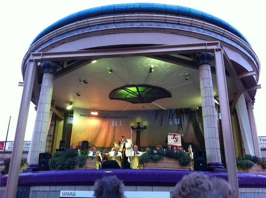Eastbourne Bandstand: Swing tribute night