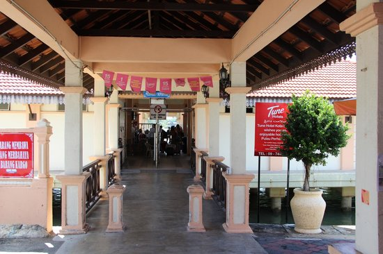Bubbles Dive Centre and Resort: Kuala Besut