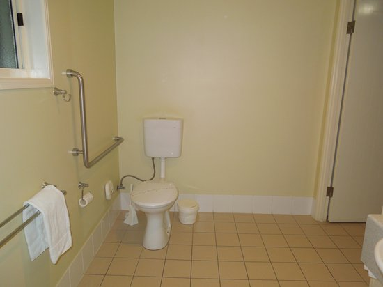 Country Roads Motor Inn: Toilet area for guests with mobility issues