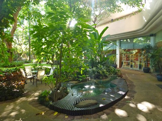 Pantip Suites Sathorn: Garden