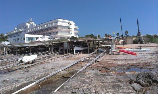 Insotel Hotel Formentera Playa: Vista hotel desde la playa