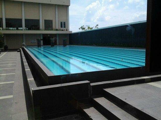 Grand Zuri Dumai: Pool