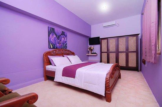 Flamboyant Homestay: Matahari Room