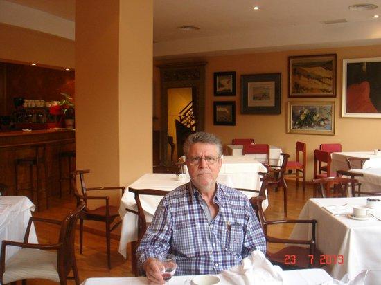 Hotel Carlton Rioja: en el desayuno
