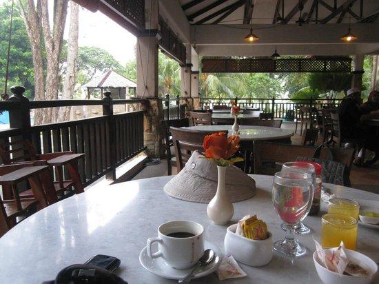 Jerejak Rainforest Resort: Dining
