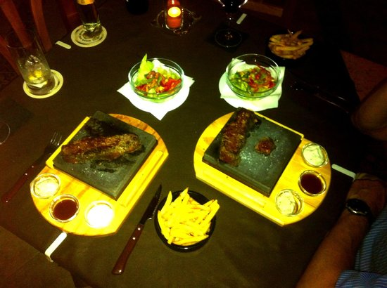 Craig's Steak & Schlemmertreff: Rump/entrecote steaks cooked on hot stones