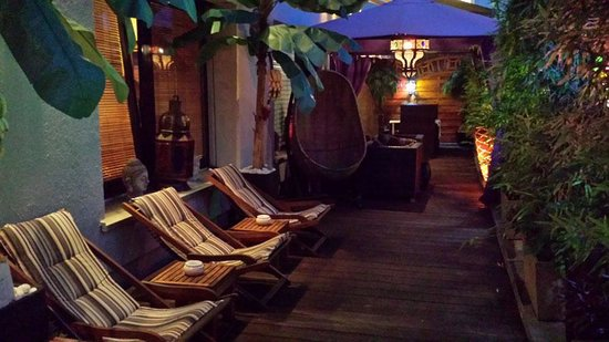 wellness terrasse bild von tagessch nheitsfarm hamam spa frankfurt am main tripadvisor. Black Bedroom Furniture Sets. Home Design Ideas