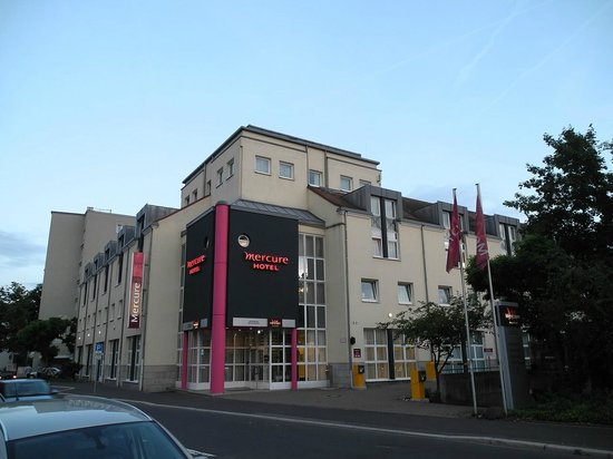 Mercure Hotel Wuerzburg am Mainufer: Buitenkant