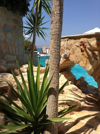Paros Palace: Vue de la piscine