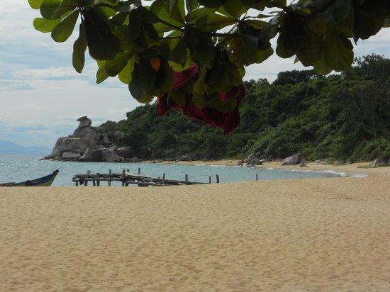 Cham Island Diving: Cham's Beach