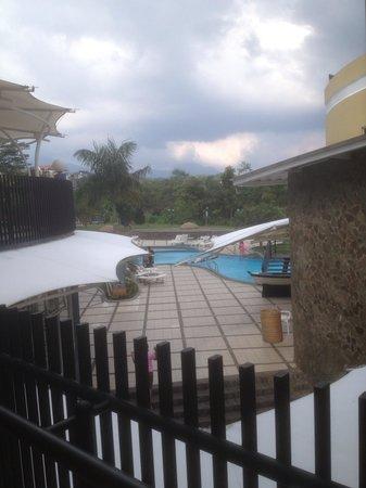 Marbella Suites Bandung: Pool