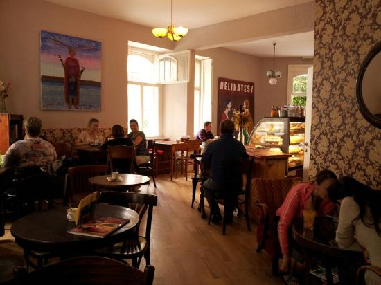 Le Caveau Prague Zizkov Restaurant Reviews Phone Number