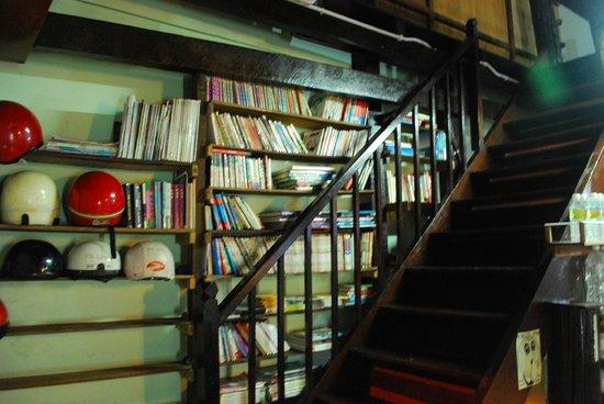 Pangkor Guesthouse SPK: Library