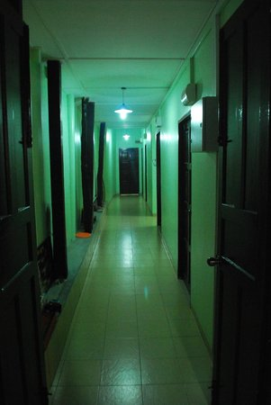 Pangkor Guesthouse SPK: Ground floor corridor