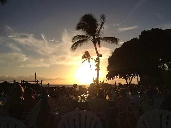 Mana Kai Maui: Sunset Luau