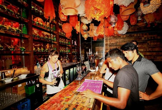 bar picture of generator hostel barcelona barcelona tripadvisor. Black Bedroom Furniture Sets. Home Design Ideas