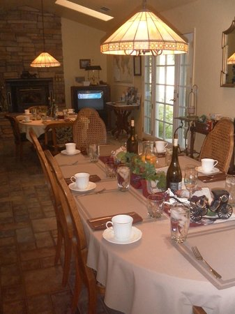 Carriage Vineyards Bed & Breakfast: Zona colazione