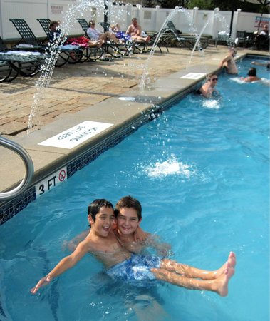 North Conway Grand Hotel: The kids enjoyed all 3 of the pools!