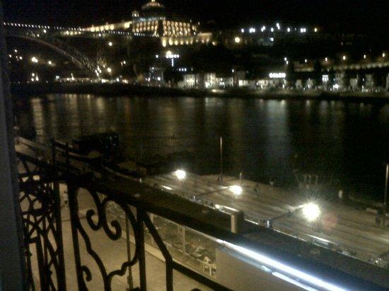 Ribeira Apartments: Evening view for Ribeira Apartment in Porto