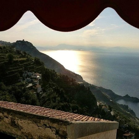 Villa Donna Fausta: vista mattutina dal terrazzo della stanza