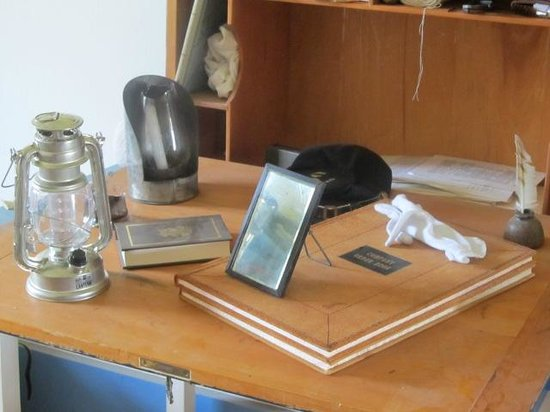 Fort Larned National Historic Site: Desk items