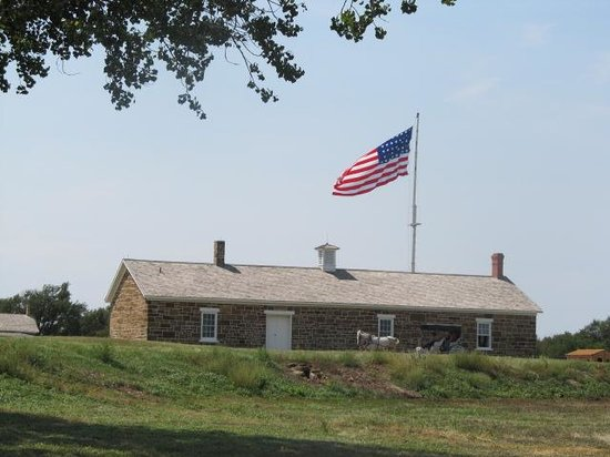 Fort Larned National Historic Site: Building and Flag