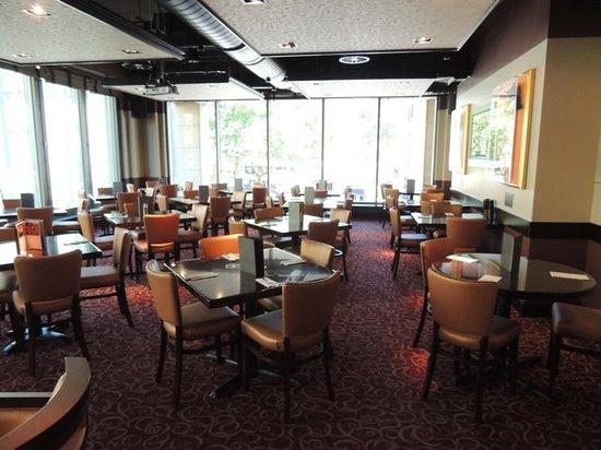 Hard Rock Cafe: geniş -ferah mekan