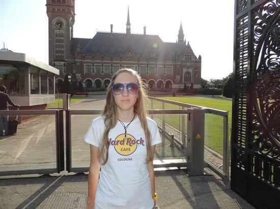 Hard Rock Cafe: Colgne'den aldı Lahey/Netherland'da giydi.